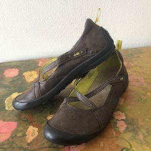 J-41 Vegan Leather Adventure Shoes Martini Style